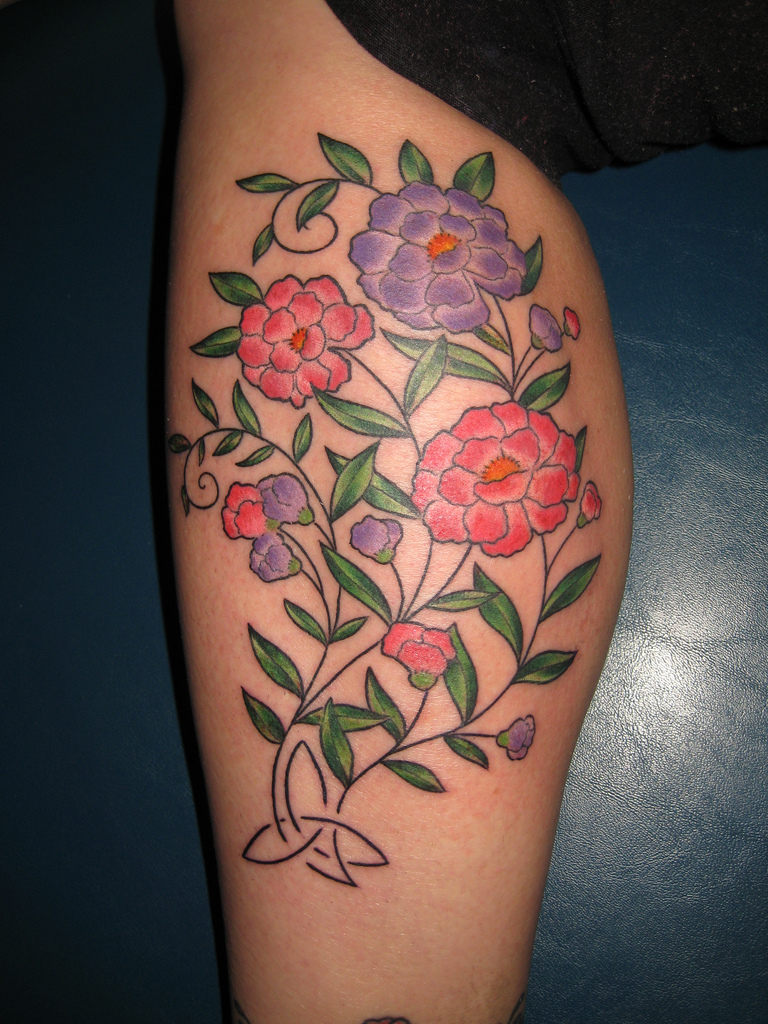 Flower tattoos tattoo designs and ideas for men women beautiful flower tattoo on calf izmirmasajfo