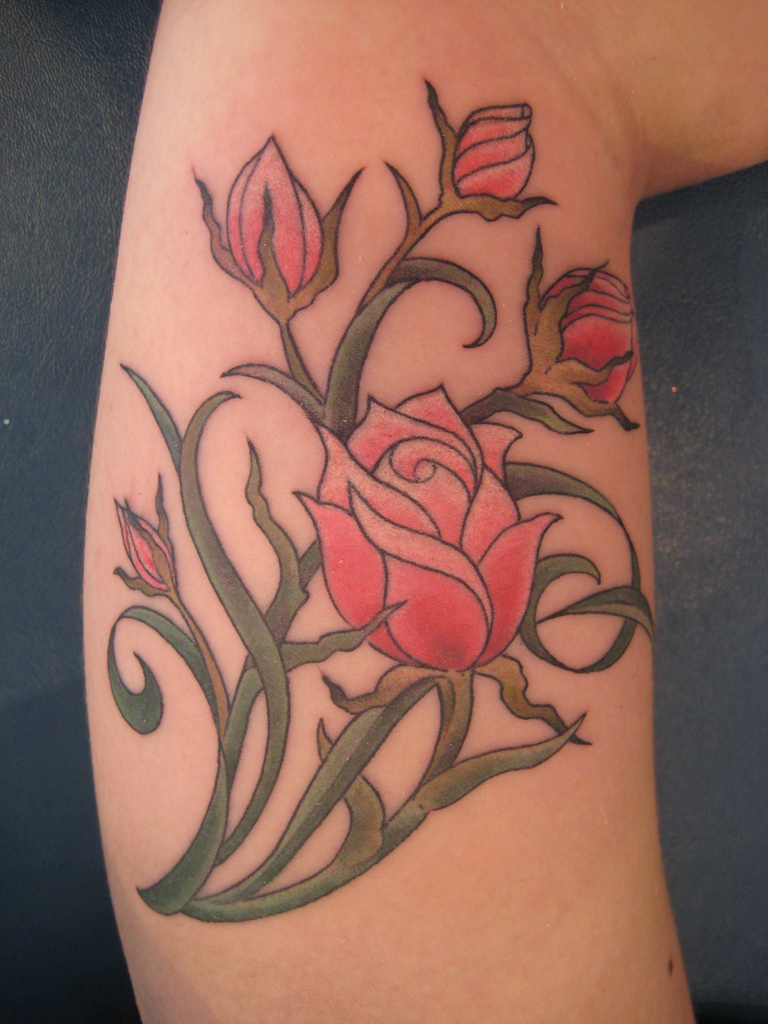 Flower tattoos tattoo designs and ideas for men women red roses tattoo izmirmasajfo