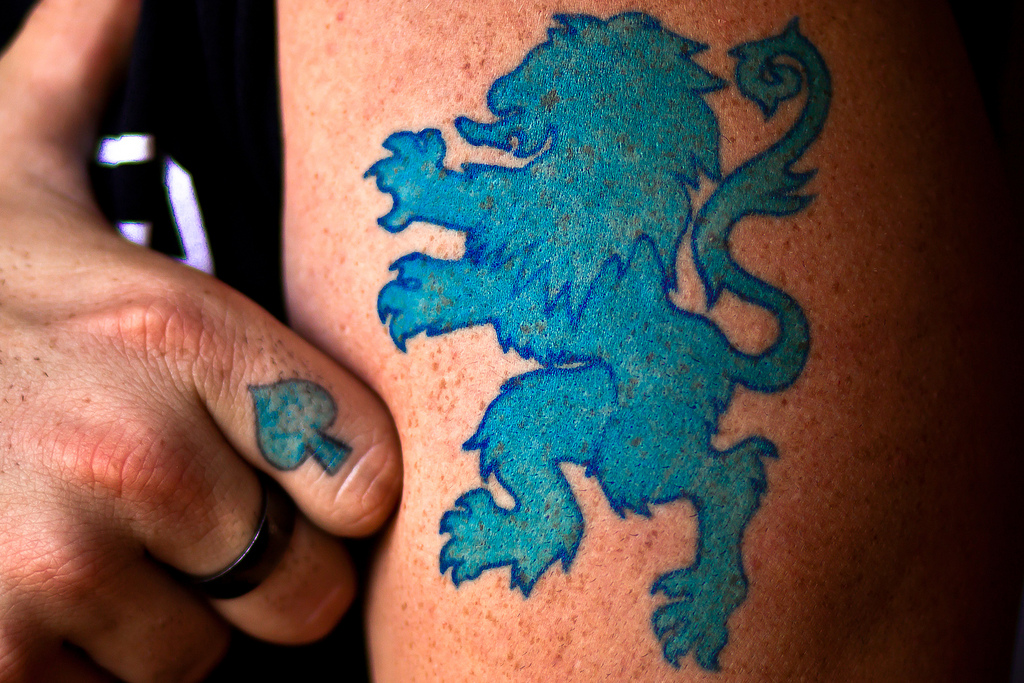 lion tattoos what 39 s their meaning plus cool examples. Black Bedroom Furniture Sets. Home Design Ideas