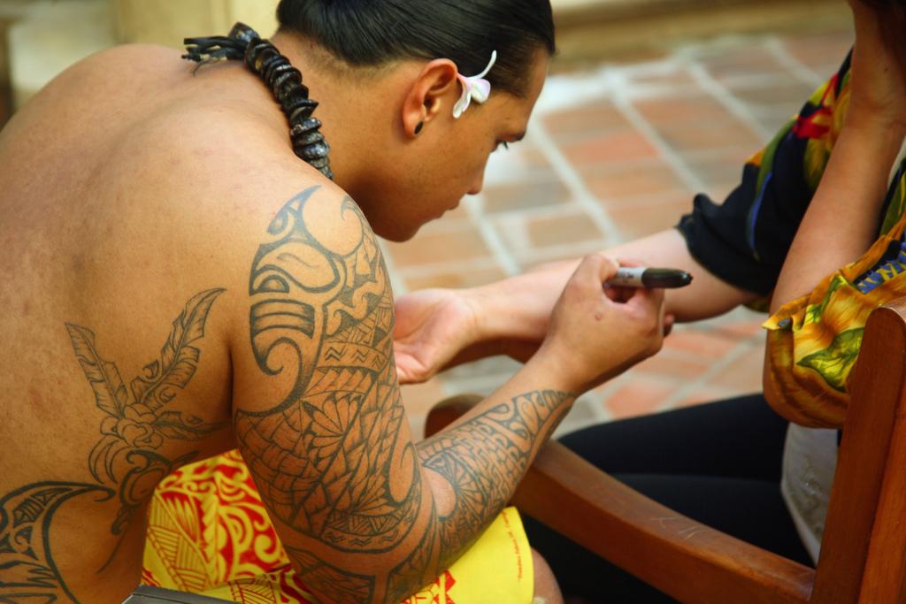 Polynesian tattoo designs cool ideas designs examples for Tattoo artist job description