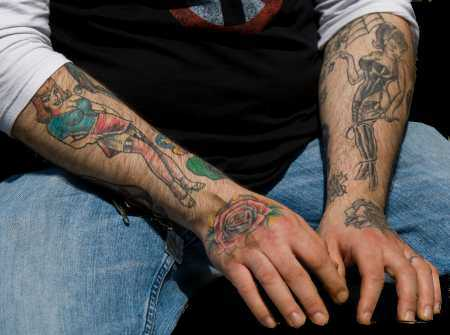 21 Bold Flower Tattoos on Men