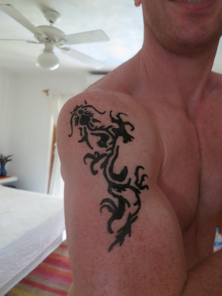 dragon tattoo designs tattoos ideas for men women. Black Bedroom Furniture Sets. Home Design Ideas