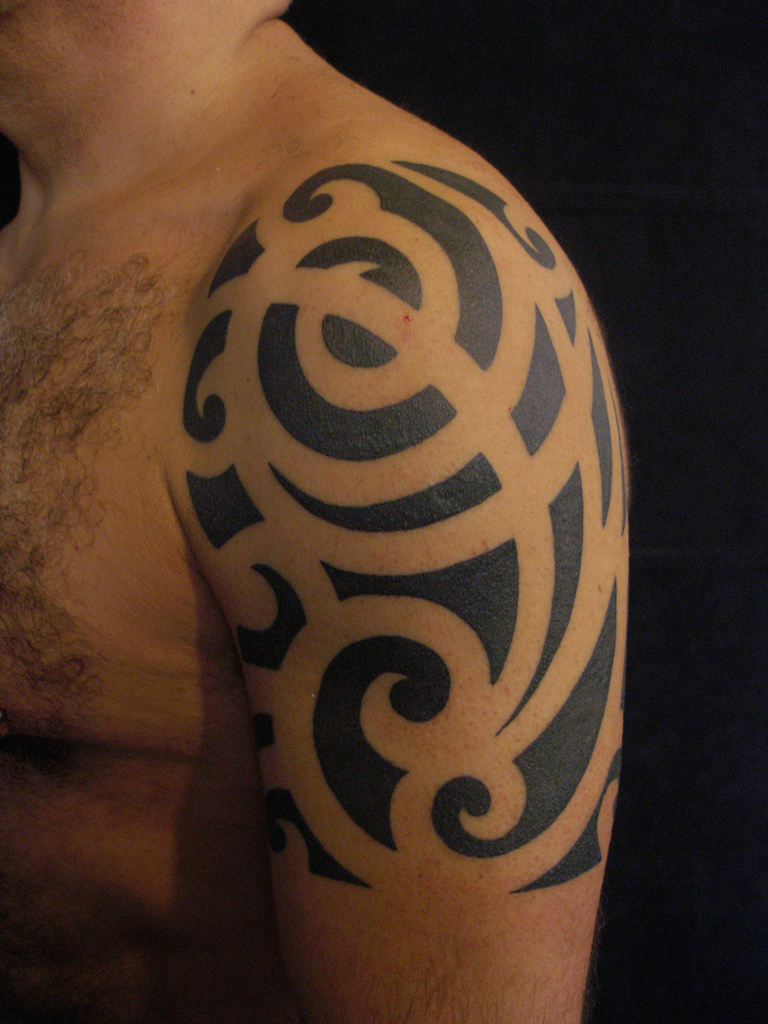 tribal sleeve tattoos check out these cool tribal sleeves. Black Bedroom Furniture Sets. Home Design Ideas
