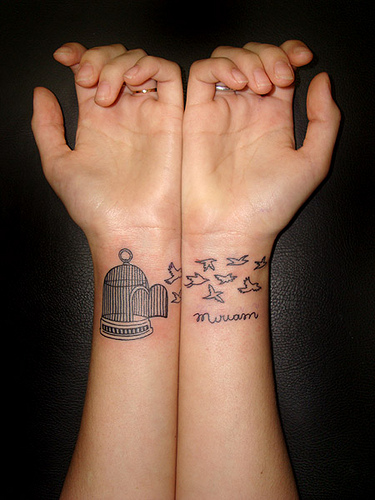 30 Phenomenal Wrist Tattoos You Don\'t Want to Miss...