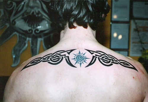 35 awesome manly tattoos for men very cool for Simple back tattoos for guys