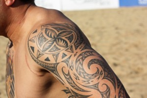 maori inspired tattoo on shoulder
