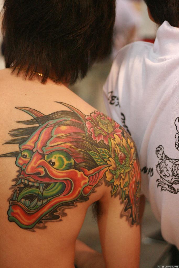 shoulder tattoos tattoo me now. Black Bedroom Furniture Sets. Home Design Ideas