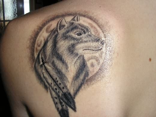 wolf tattoo on shoulder