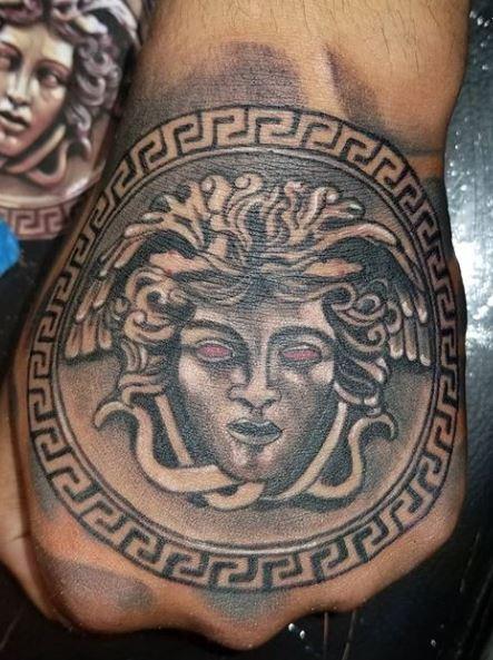 100 Beautiful Medusa Tattoos You Ll Need To See Tattoo Me Now